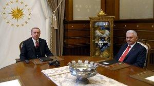 Cumhurbaşkanı Erdoğan ve Başbakan Yıldırım görüşmesi 3 saat sürdü