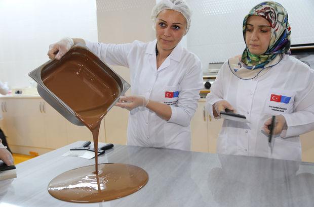 Ordulu kadınlar çikolata yapacak