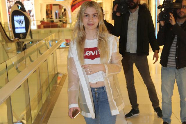 Aleyna Tilki, önceki gün Akmerkez'deydi