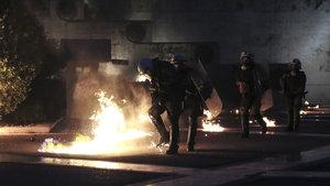Yunanistan'da göstericiler ile polisler arasında çatışma