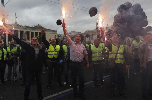 Yunanistan'da kemer sıkma isyanı