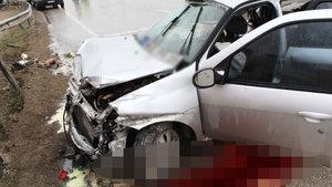 Kastamonu'da otomobil kamyonla çarpıştı