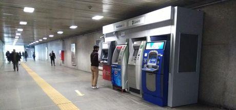 Metro istasyonlarındaki banka ATM'leri tekrar yerleştirildi
