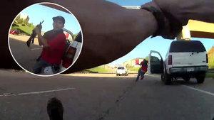 Polise dipçikle vurmaya çalıştı!