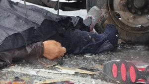 Eskişehir'de TIR şoförü patlayan lastiği değiştirirken hayatını kaybetti