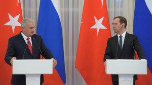 İstanbul'da Medvedev-Yıldırım zirvesi!