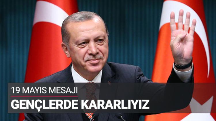 Cumhurbaşkanı Recep Tayyip Erdoğan ile Başbakan Binali Yıldırım, Cumhurbaşkanlığı Külliyesi'nde gençlere seslendi.