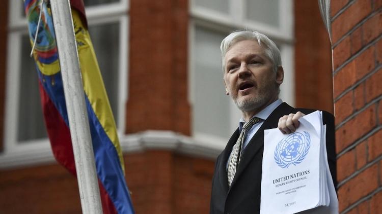 İsveç Başsavcısı, WikiLeaks'in kurucusu Julian Assange hakkındaki tecavüz soruşturmasını düşürdü.