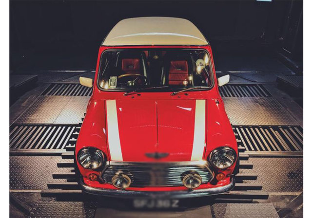 """Dünyanın ilk """"otomobil otomatı"""" Singapur'da hayata geçirildi"""