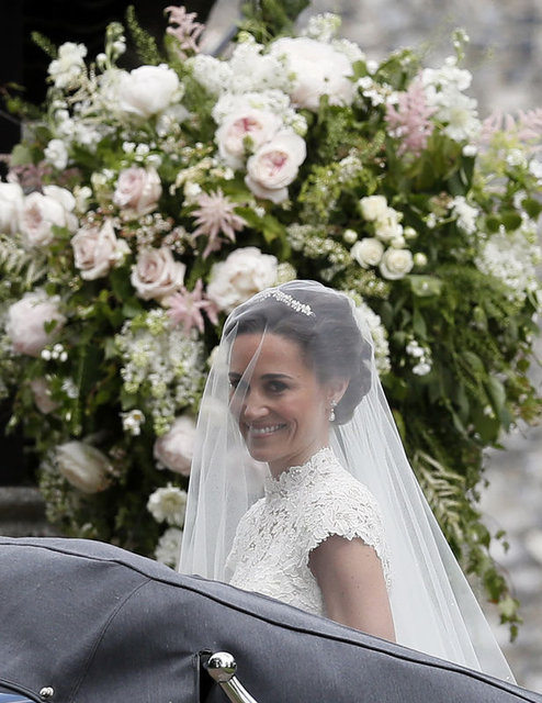 Kate Middleton'un kardeşi Pippa Middleton evlendi