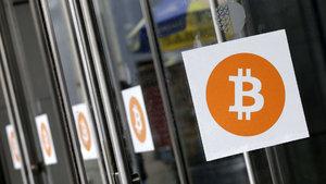 Bitcoin'den aralıksız rekor: Fiyatı 2 bin doları geçti