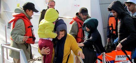 Çeşme'de 187 sığınmacı yakalandı