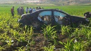 Diyarbakır'da lüks araç tarlaya uçtu: 4 ölü