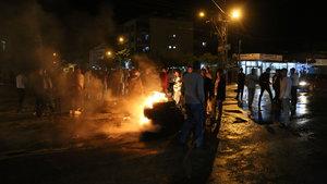 Suriyelilerin gönderilmesini isteyen mahalleli eylem yaptı