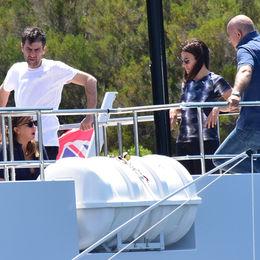 Teknede misafir var