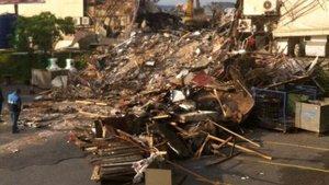 39 kişinin hayatını kaybettiği Reina yıkıldı