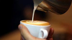 Kahve zincirlerinde tükettiğimiz içecekler kaç kalori?