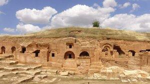 Mardin'de 1400 yıllık mezarlık ziyarete açıldı