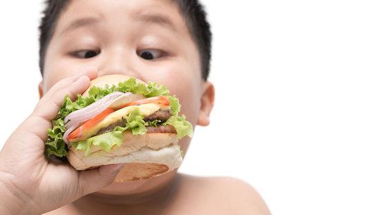 Çocuklukta görülen obezite ileride...