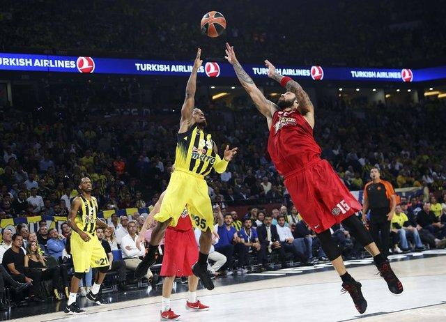 """""""Fenerbahçe'yi kutluyoruz ama örnek almıyorum"""""""