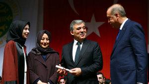 Erdoğan ve Gül diplomaları birlikte takdim etti