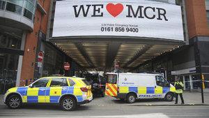 Manchester'da bir alışveriş merkezi boşaltıldı