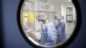 Ciğerlerindeki kistler ardışık kapalı ameliyat yöntemiyle çıkartıldı!