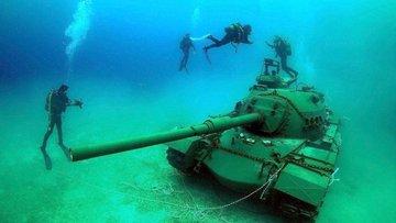Tank denize indirildi