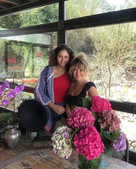 İstanbul'dan kaçan Pınar Aylin, İzmir'de yeni bir hayat kurdu