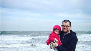 Baba, kızının riskli fotoğraflarını nasıl ve neden paylaştı?