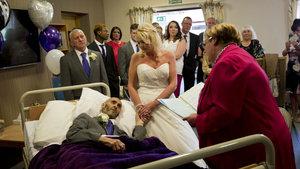 İşte kanser hastası adam ile nişanlısının duygusal evlilik töreni