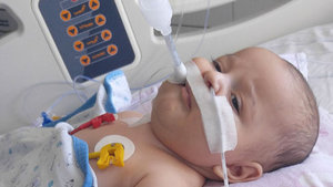 SMA hastası Egehan Özkılıç'ın ailesinin ilaç umudu!