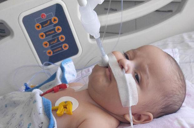 SMA hastası 5 aylık Egehan'ın ailesinin ilaç umudu!