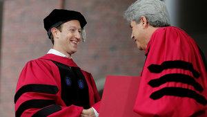 Mark Zuckerberg, Harvard diplomasını aldı