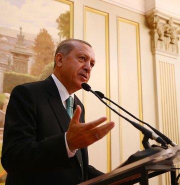 Brüksel'de dün NATO Karargâhı'nda Devlet ve Hükümet Başkanları Toplantısı'na katılan, AB liderleriyle kritik görüşmeler yapan Cumhurbaşkanı Erdoğan, ayağının tozuyla MKYK'yı toplayacak, MYK üyelerini seçecek. Erdoğan, MKYK'da üyelere ramazan ayının en iyi şekilde değerlendirilmesi talimatını da verecek