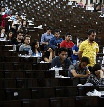 Adalet Bakanlığı Sınavları için sınav giriş yerlerini gösteren sınav giriş belgesi yayımlandı. Peki Adalet Bakanlığı Sınavı sınav giriş yerleri nasıl öğrenilir? İşte detaylar...