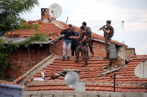 Mahallede alarm verildi! Özel harekat polisleri çatılarda aradı