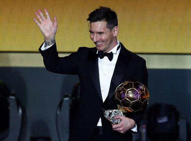 Dünyanın en çok kazanan 20 futbolcusu!