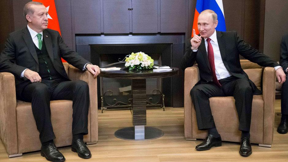 Erdoğan ve Putin telefonda görüştü