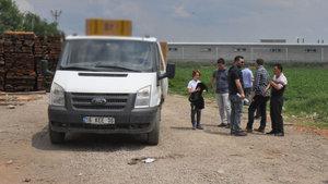 Bursa'da bir kişi telefonla konuşurken kamyonetin altında kalarak öldü