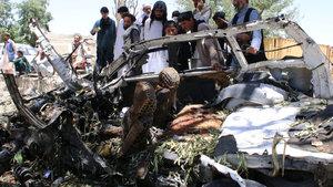 Afganistan'da bomba yüklü araçla saldırı: 18 ölü!