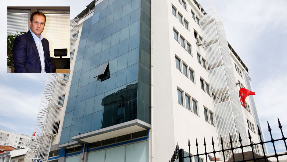 Sözcü gazetesi sahibi Burak Akbay hakkında tutuklamaya yönelik yakalama kararı