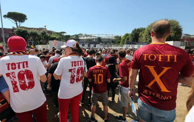 Francesco Totti Roma'ya veda etti