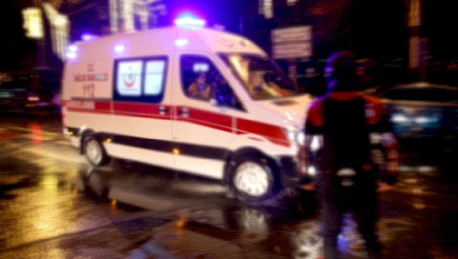 Anneleri için ambulansı 'kaçırdılar'!