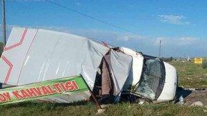Tarım işçilerini taşıyan kamyonet devrildi! 1 ölü, 21 yaralı