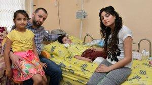 Adana'da yaşayan SMA hastası minik Cem tedavi için ilaç bekliyor!