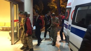 Manisa'da askerler çiğ hindi etinden zehirlenmiş