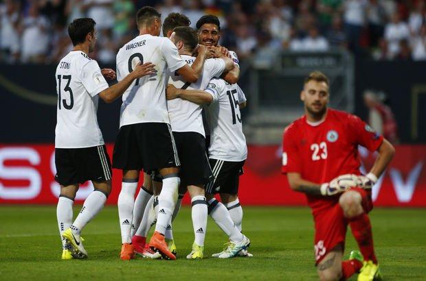 Almanya gol olup yağdı!