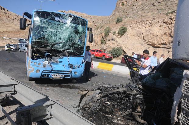 Mardin'de feci kaza! Anne ve çocuğu öldü, 12 kişi yaralandı