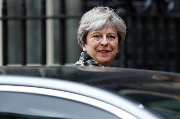 İngiltere Başbakanı May'den itiraf: Her şeyi berbat ettim